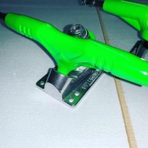 """Gullwing Super Pro III Neon / Fluorescent Green 9"""" Skateboard Trucks"""